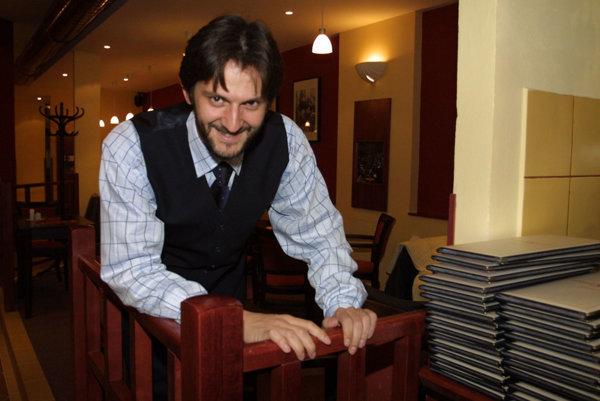 Kaliňák v roku 2002 v jednej z reštaurácií Steam & Coffee.