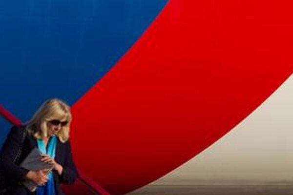 Iveta Radičová predstavila Angele Merkelovej možnosti, ako zaistiť schválenie eurovalu na Slovensku.