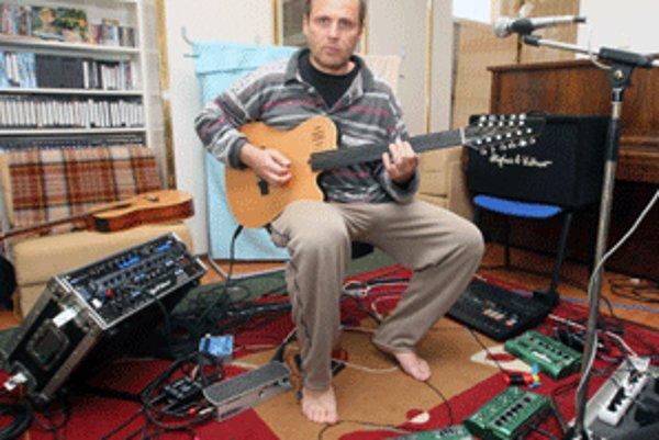 Na brehu zahrá aj gitarový virtuóz Andrej Šeban.