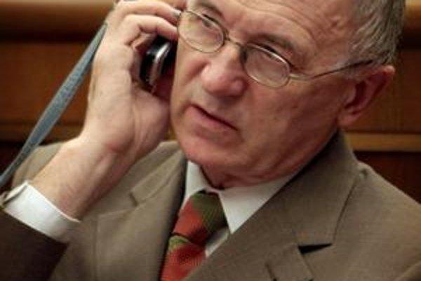 Poslanec SNS sa podľa súdu nemôže čudovať, ak sa o jeho minulosť zaujímajú novinári. Dnes už Jozef Rydlo v parlamente nie je.