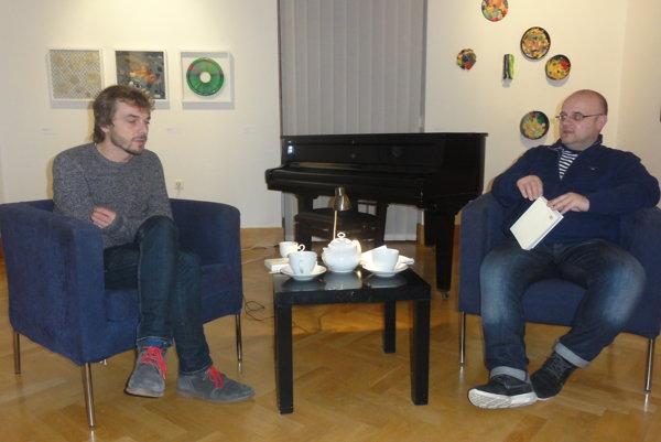 Jána Púčeka predstavil moderátor Dado Nagy.
