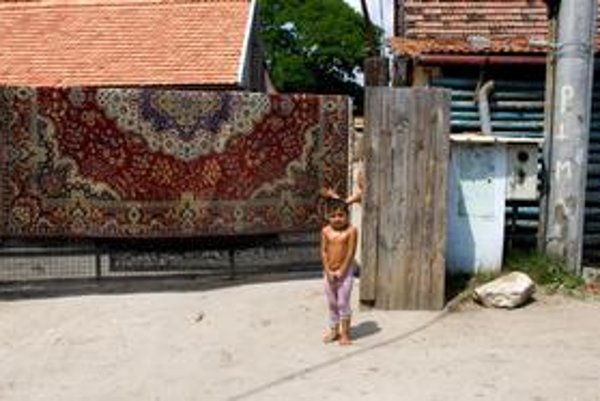Projekt chvália za to, že nie je zameraný na Rómov. Na mape chudoby však pravdepodobne budú svietiť najmä rómske getá.