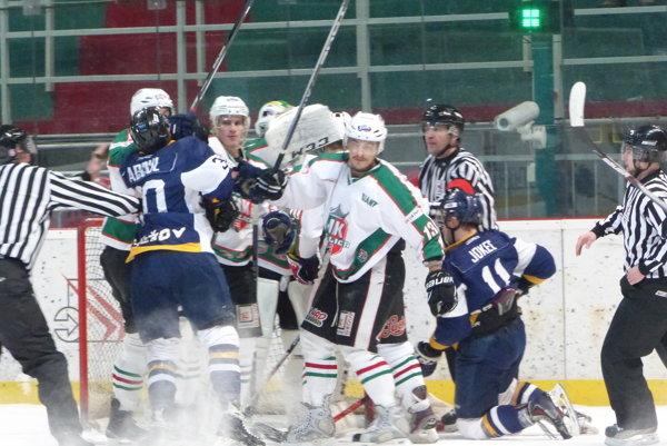 V zápase Skalica - Prešov bolo dostatok vzruchu pred oboma bránkami.
