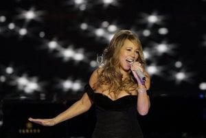 Mariah Carey v roku 2011 naraz vystúpila na pódiu v piatich európskych mestách, kde spievala vianočné hity.