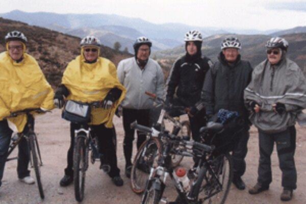 Konrád Richter (vpravo) absolvoval púť po Španielsku s kamarátmi.