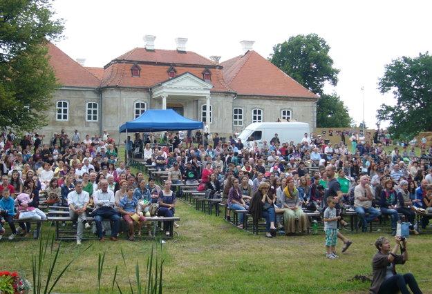 Želiezovce sa vrátili k folklórnemu festivalu.