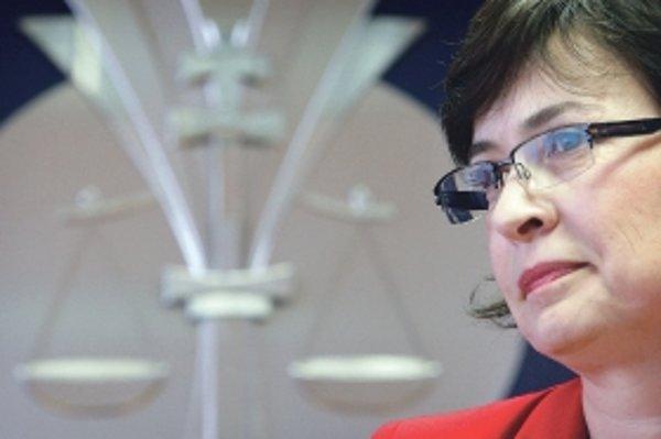 Návrh Lucie Žitňanskej podľa poslancov dáva priveľké právomoci ministerke spravodlivosti.