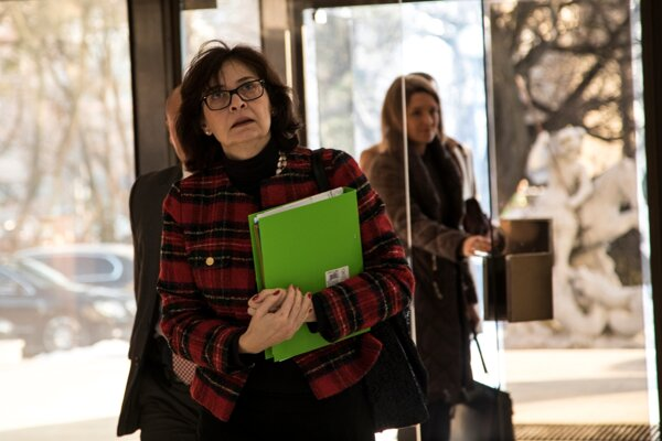 Na snímke ministerka spravodlivosti SR Lucia Žitňanská prichádza na rokovanie 41. schôdze vlády SR v Bratislave 11. januára 2017.