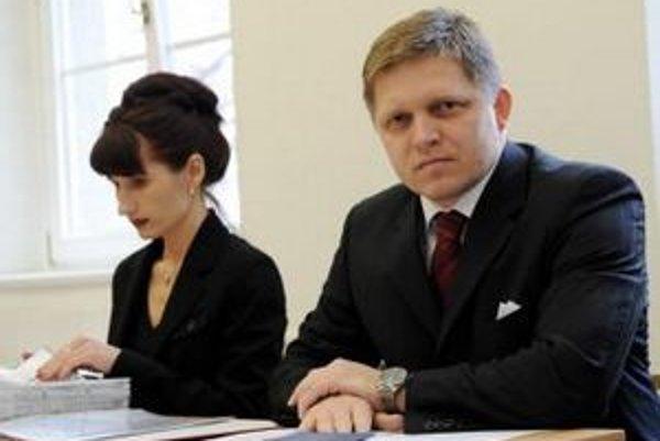 V dozornej rade centra je aj Zuzana Kupcová, právna zástupkyňa Roberta Fica.