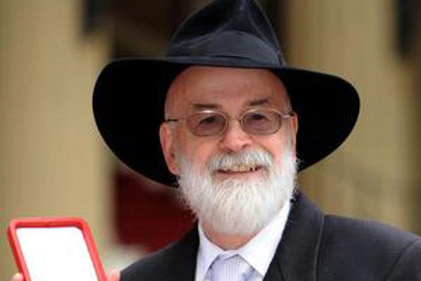 Britský spisovateľ Terry Pratchett.