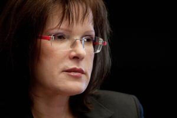 Na to, že SNS je súkromný biznis predsedu Jána Slotu, vraj Anna Belousovová prišla až po poslednom sneme.