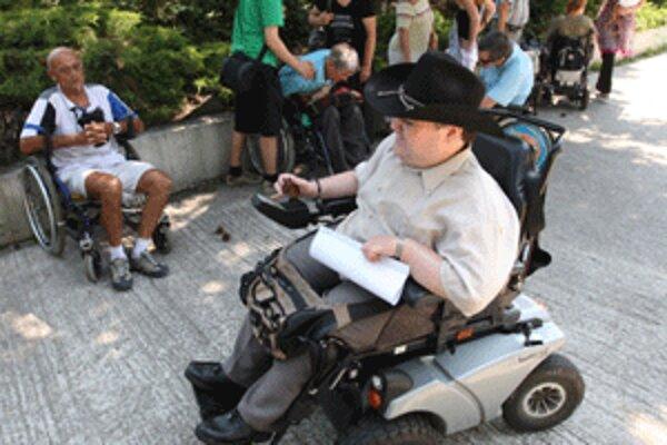 Invalidom jeden cent životnú úroveň nezlepší.