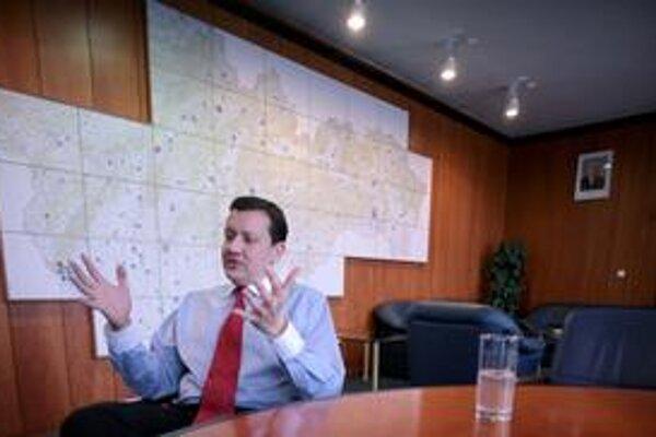 Vyštudovaný právnik Daniel Lipšic bol v rokoch 1998 až 2002 šéfom úradu ministerstva spravodlivosti a v rokoch 2002 až 2006 ministrom spravodlivosti. Po štyroch rokoch v opozícii sa stal ministrom vnútra.