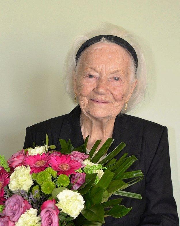Elena Barátová.