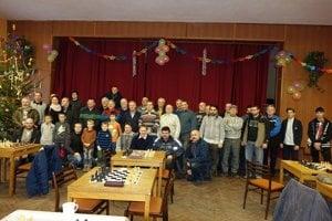 Účastníci šachového turnaja vBetliari.