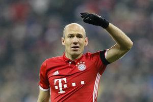 Holandský futbalista Arjen Robben predĺžil zmluvu s Bayernom Mníchov o ďalší rok.