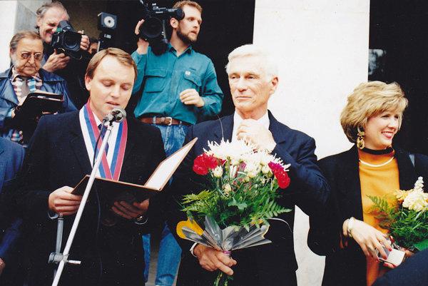 Druhýkrát navštívil rodisko svojich predkov - Vysokú nad Kysucou v roku 1994.