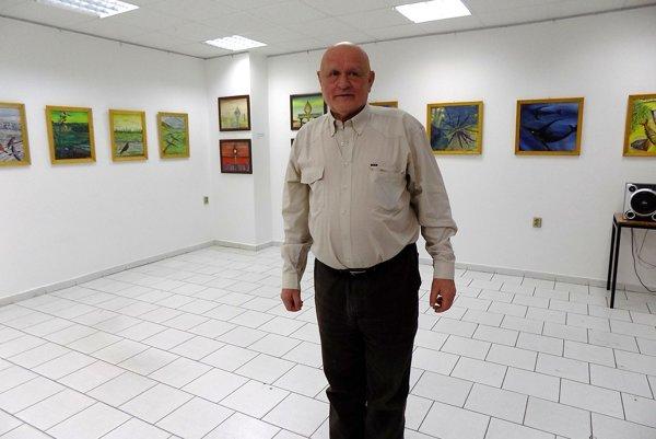 Výstava Trvalo udržateľný chaos predstavuje výber zvýtvarných diel Jozefa Medveďa.
