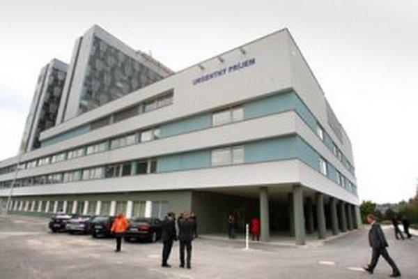 V nemocnici platí kvôli zvýšeným chrípkovým ochoreniam zákaz návštev.