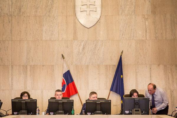 Ilustračné foto/Rokovanie vlády.