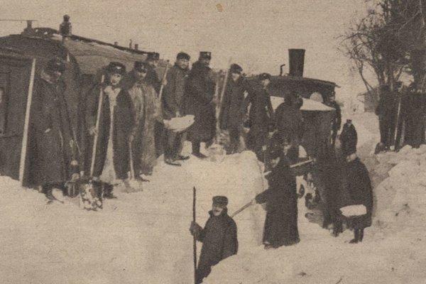 Snehová kalamita na železničnej trati pri Haniske.