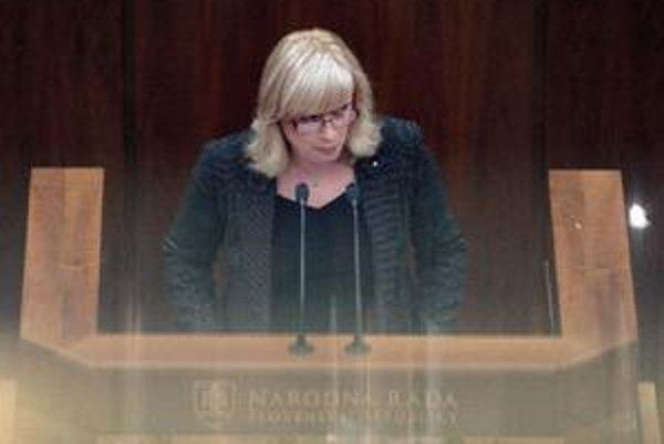 Iveta Radičová počas svojho prejavu v parlamente.