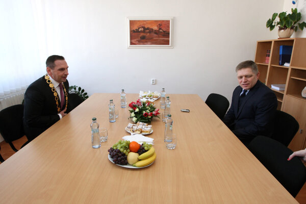 Primátor Žiaru Peter Antal s premiérom Robertom Ficom.