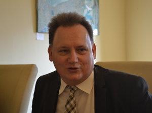 Peter Kónya.