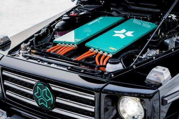 Elektrický Mercedes triedy G má batérie aj pod kapotou