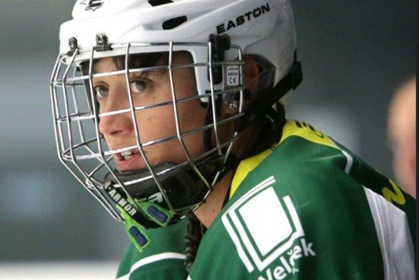 Petra Jurčová. Sestru Tomáša, hráča Detroitu, hokej stále baví.