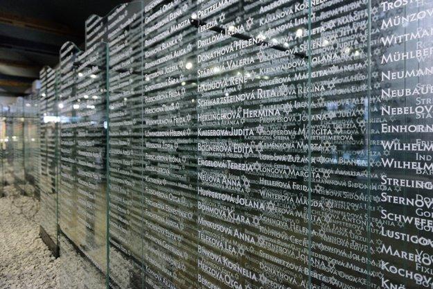 Múzeum holokaustu ako memento pre súčasníkov i budúce generácie 26. januára 2016 otvorili v Seredi v mieste bývalého pracovného koncentračného tábora. Expozíciu v Seredi zriadilo Slovenské národné múzeum – Múzeum židovskej kultúry v spolupráci s Ministerstvom kultúry SR.