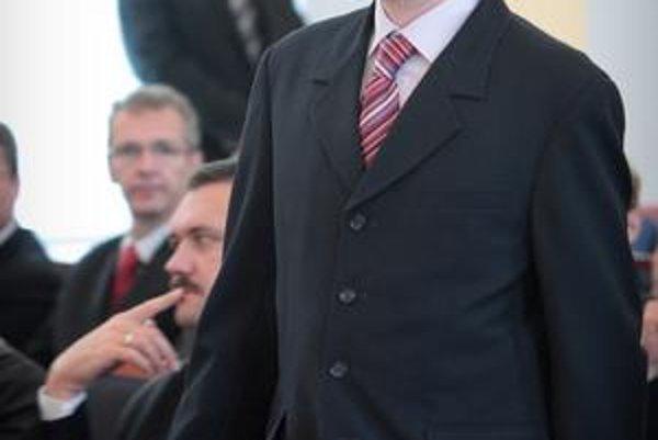 Štát chová príživníkov ako v bavlnke, napísal Igor Matovič.