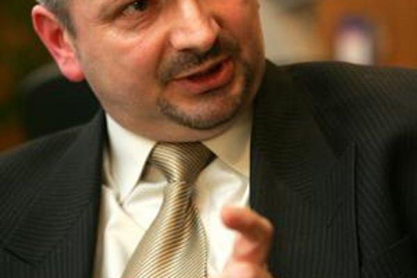 O bývalého šéfa Sociálnej poisťovne Ivana Bernátka sa Viera Tomanová postarala. Riadi centrum vzdelávania ministerstva.