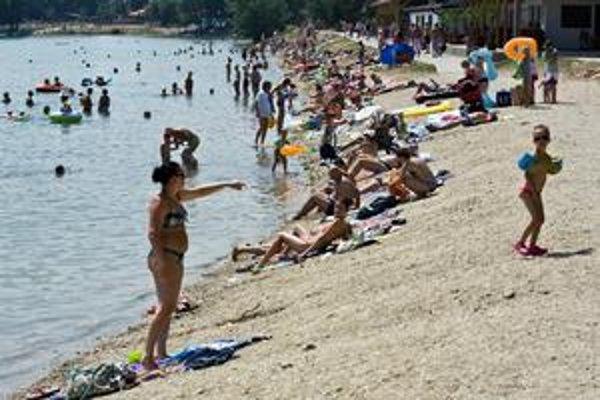 Ešte v sobotu sa teploty na Slovensku blížili k štyridsiatke. V nedeľu už prišlo výrazné ochladenie.
