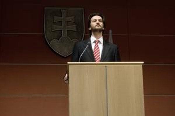 Minister vnútra Róbert Kaliňák osobnú zodpovednosť za incident s bombou odmieta.
