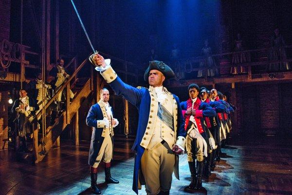 Muzikál Hamilton získal najviac cien v histórii udeľovania divadelných Tony Awards.