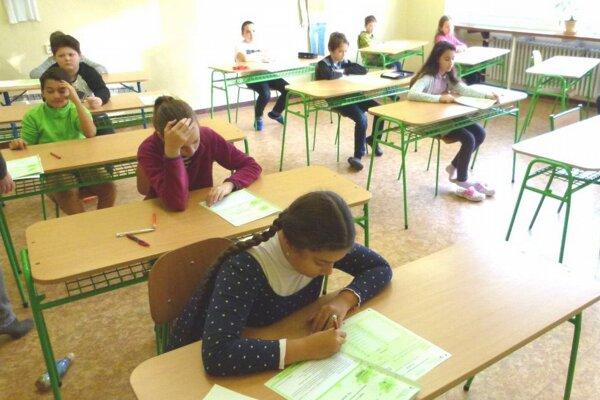 Turčianski piataci písali testy z matematiky, slovenského jazyka a literatúry.
