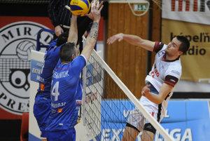 Prešovským volejbalistom (smečuje Marcel Lux) sa v semifinále postaví do cesty Prievidza.