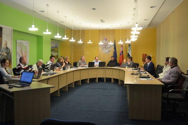 Poslanci v Lipanoch sa oboznámili so situáciou v tamojšom priemyselnom parku.