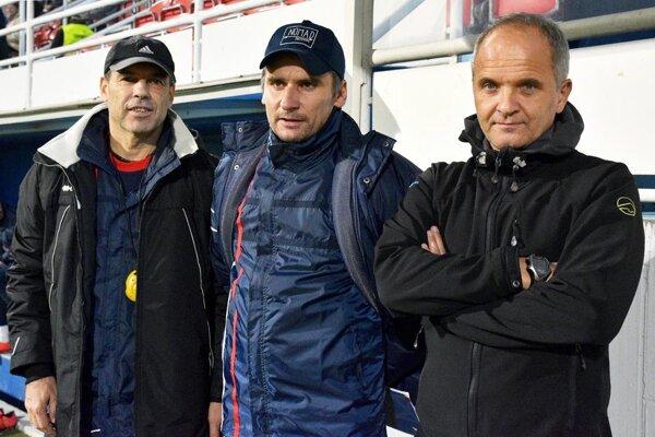 Trénerský trojlístok FC ViOn - zľava Milan Ivanka, Branislav Mráz a Juraj Jarábek.
