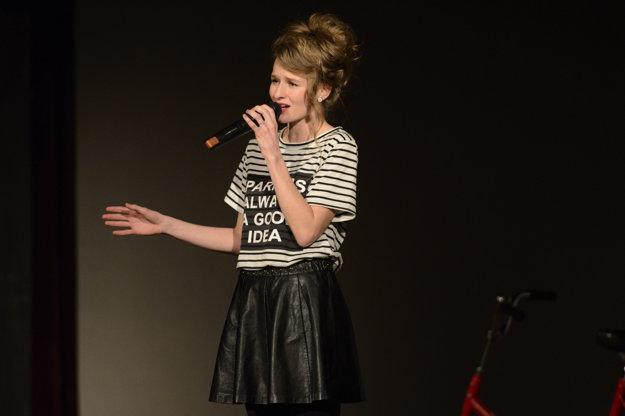 Na snímke speváčka Lenka Hošková.