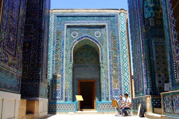 Nádherne zdobené hrobky v Shah-i-Zinde.