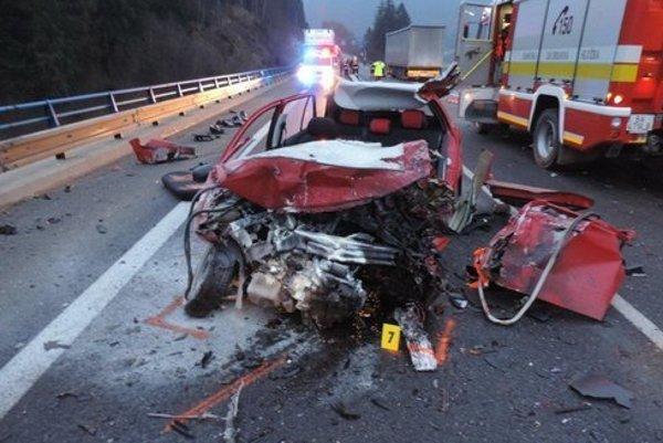 Nehôd s tragickým koncom na ceste I/11 pribúda.