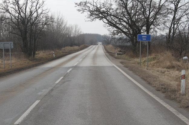 Cesta Šaľa-Nitra, ktorú spravuje nitrianska župa.