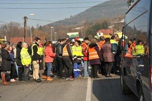 Na blokádu prišlo niekoľko stoviek Kysučanov.