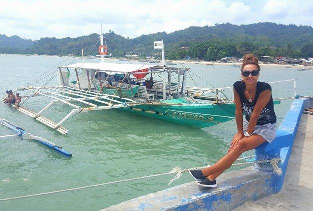 Stále v exotike. Už od decembra je Zora Czoborová prechodná obyvateľka Ázie. Po mesiacoch v Thajsku, kde nielen leňošila, ale aj predcvičovala dovolenkujúcim ženám, teraz so svojím manželom vyrazila na cesty. Rozhodli sa totiž spoznať Filipíny.