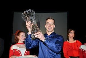 Róbert Martanovič s cenou Krištáľového páva.