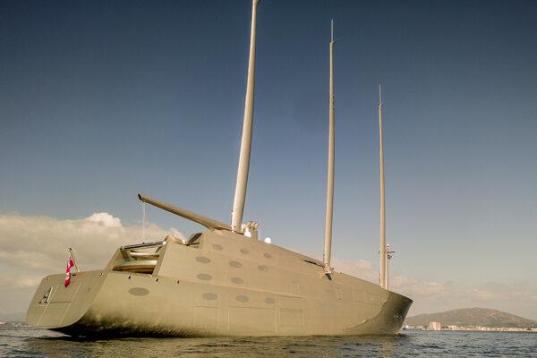 Sailing Yacht A je najväčšou superjachtou sveta.