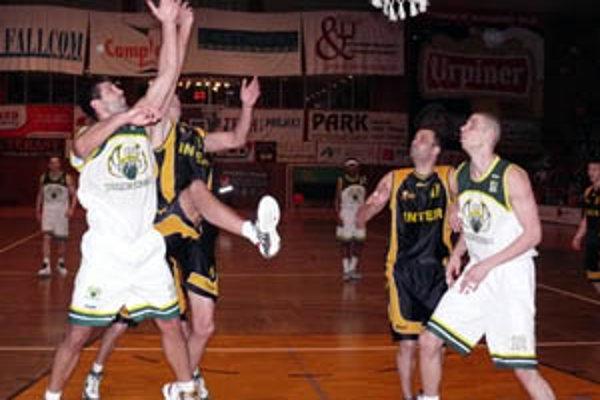 Prievidžania po prvýkrát v sezóne zdolali Inter Bratislava. Predchádzajúce dva súboje sa skončili víťazstvom hráčov z hlavného mesta.