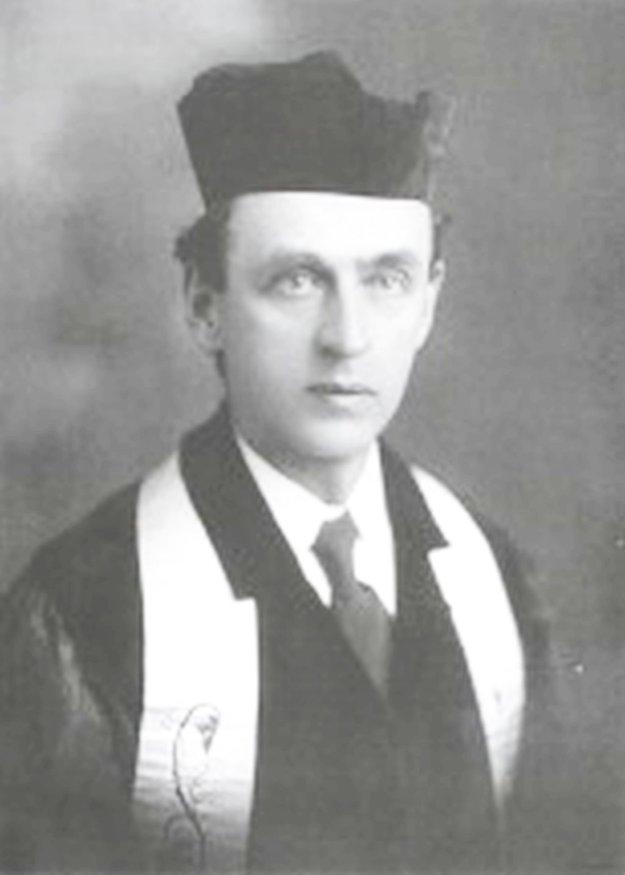 Karel Farský, zakladateľ Cirkvi československej husitskej, bol modernistickým rímskokatolíckym kňazom. Stal sa prvým patriarchom, teda najvyšším predstaviteľom, novej cirkvi.